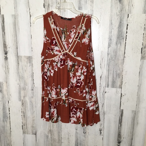 Doe & Rae Tops - Doe & Ray Rust Long Floral Pullover Top - NWT